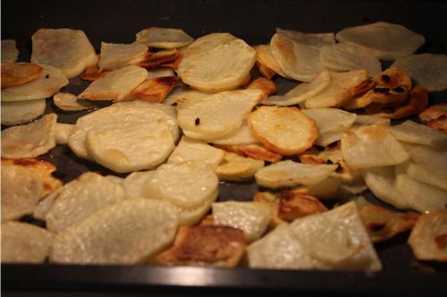 Перемешали сырой и жареный картофель